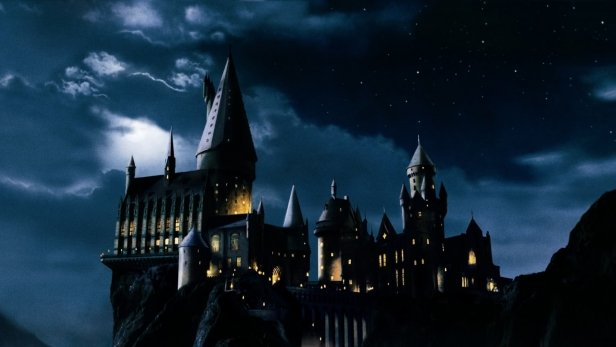Hogwarts-castle-harry-potter-166431-616x347